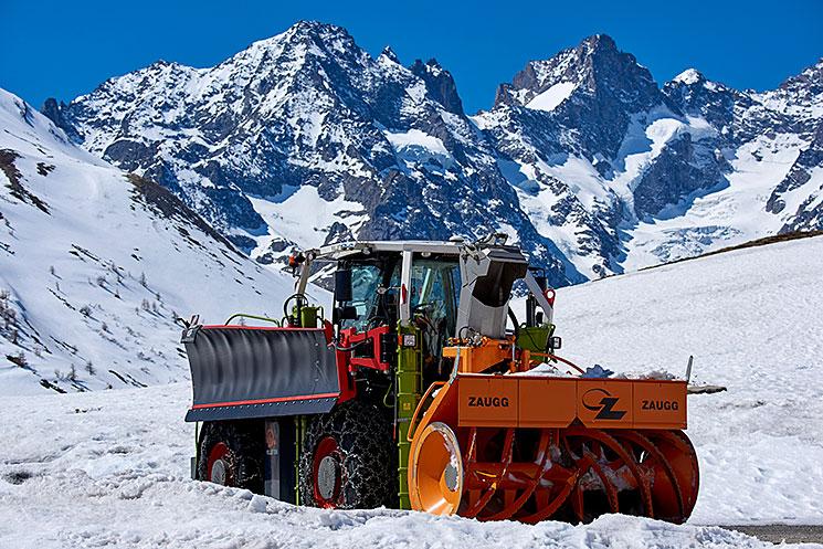 Class Xerion 4000 en action en montagne