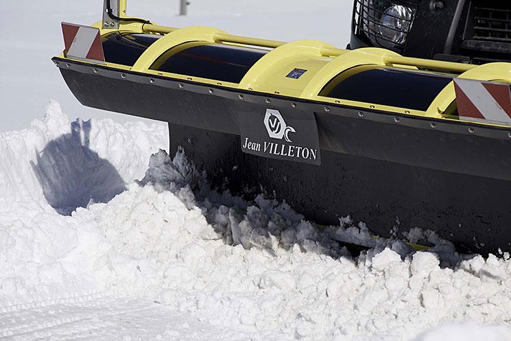 Détail d'une lame SH en action dans la neige