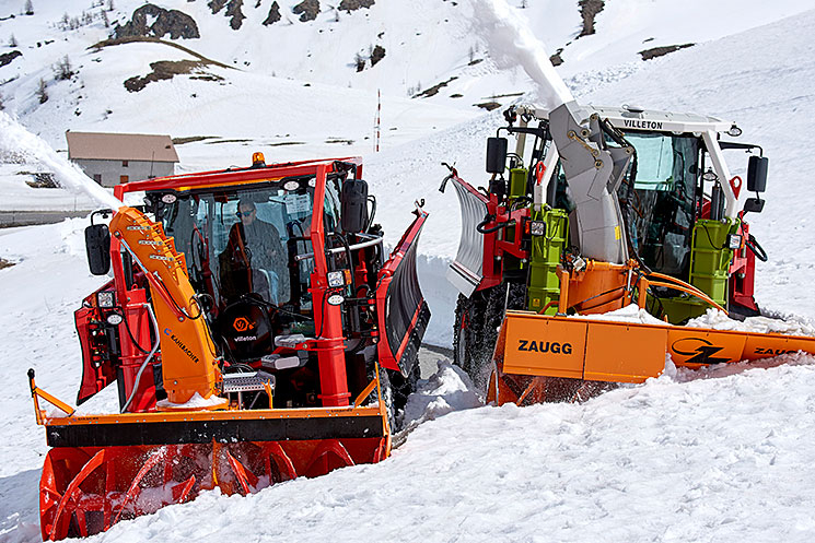 Turbofraise en action dans la neige